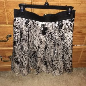 Vince Camuto skirt! Great for work or a night out!